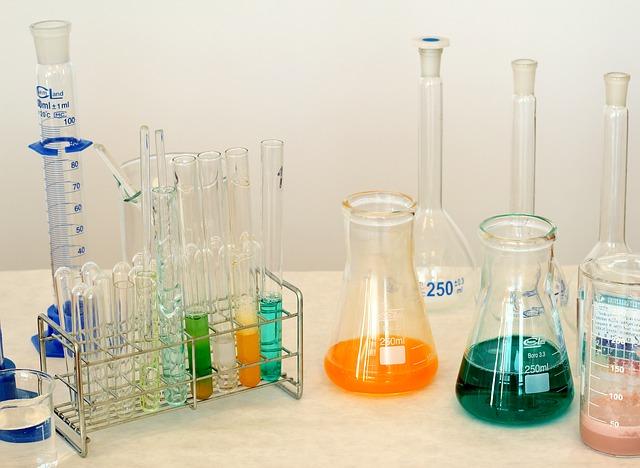 pomoce naukowe z chemii